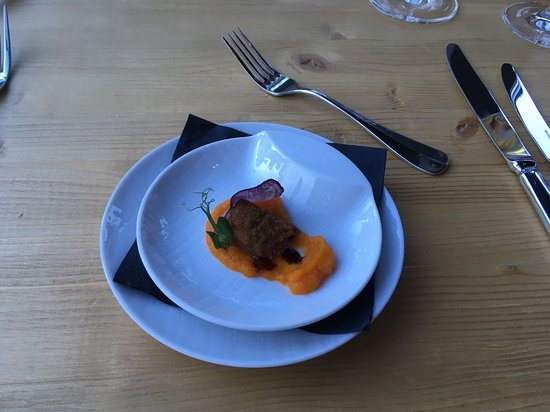 Epoca Restaurant: Greeting from the kitchen
