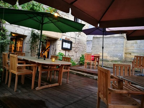 Candes-Saint-Martin, France: Restaurants Terrace
