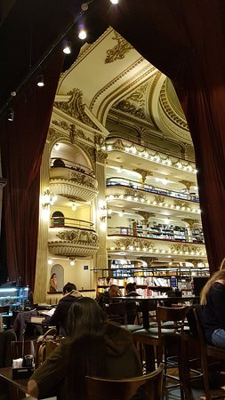 雅典人书店照片
