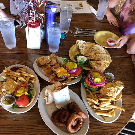 CourtHouse Grille: photo0.jpg