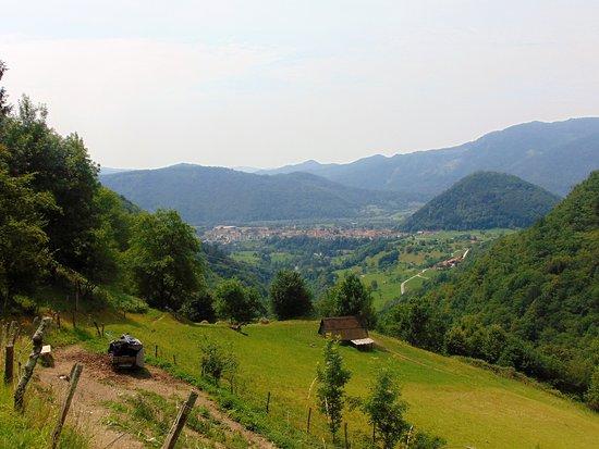 Letni vrt Pr' Jakču: looking down to Tolmin