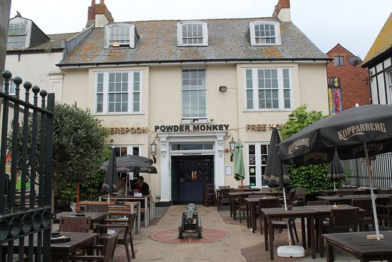 Exmouth, UK: The Powder Monkey Public house.