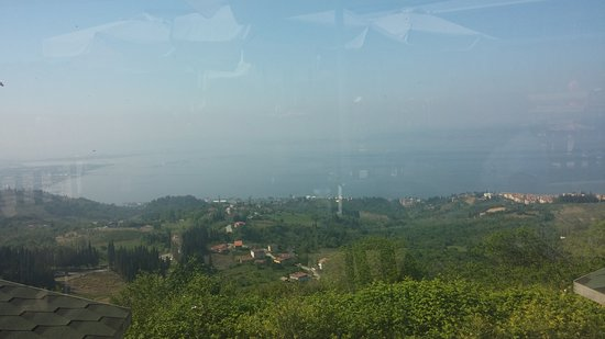 Karamursel, تركيا: çok dikkatli bakılırsa bu resimde osmangazi köprüsünü görebilirsiniz  biraz sis var.ama mütış ma