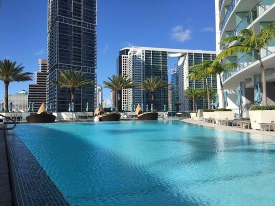 Kimpton EPIC Hotel: The pool is on an upper floor, very serene.
