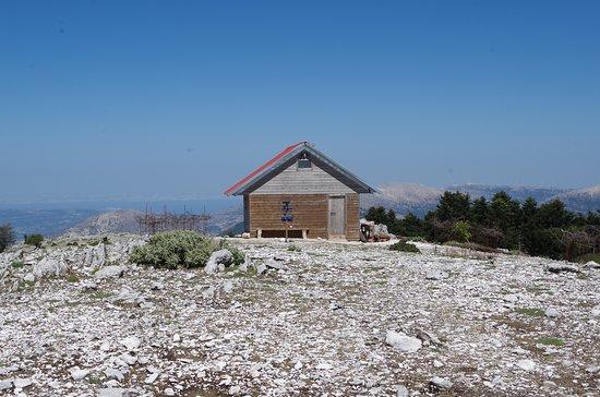 Outdoor Kefalonia: Leftiris' family hut