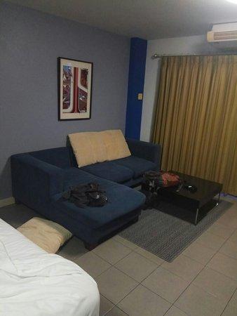 Sathorn Terrace Apartment