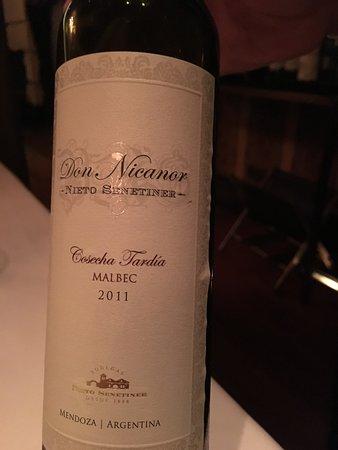 Duhau Restaurante & Vinoteca: late harvest wine for dessert