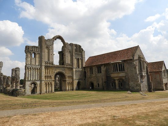 Castle Acre, UK: Front of the Priory