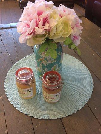 TeaZehri: flavoured honey made on site