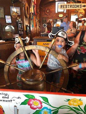 Pirate's Landing Restaurant: Inside the restaurant