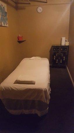 HELLO Massage: Single Massage Room