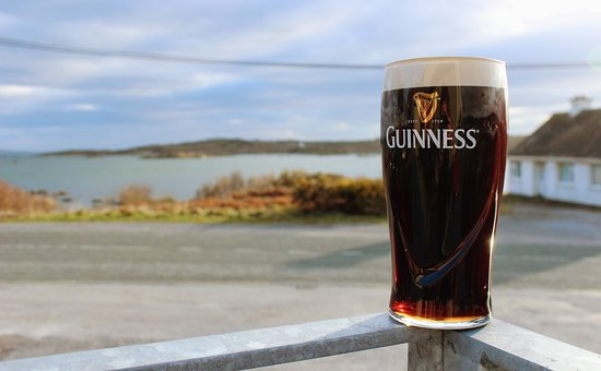 Lettermullan, Irlande: The view from our patio.