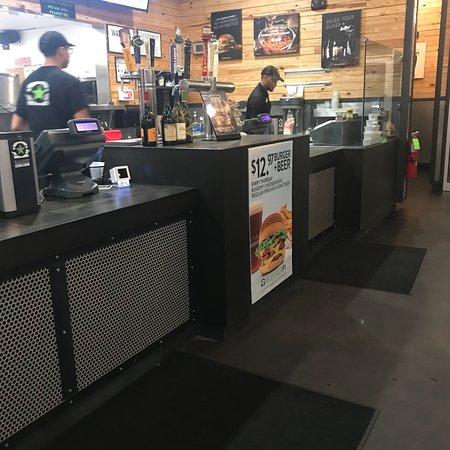 BurgerFi Commack张图片