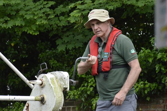 Kennet & Avon Canal: Releasing the water