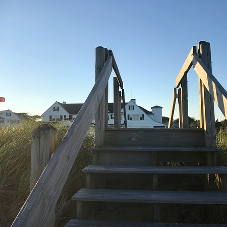 Eugenia Fortes Beach: Lovely evening walk along the beach in front of Kennedy compound