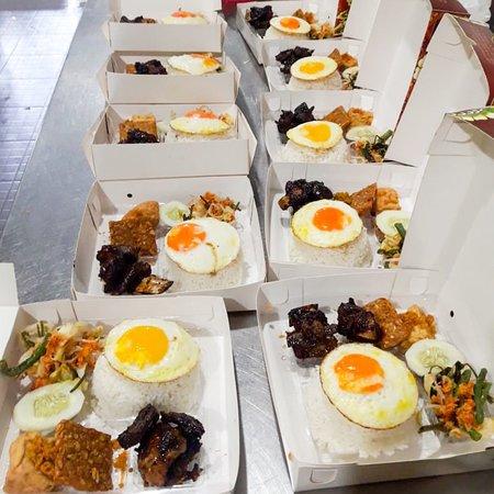 Rumah Makan Taman Laut HANDAYANI