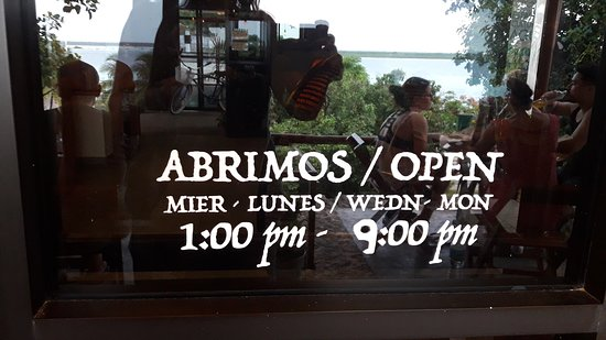 Mango Y Chile: Open afternoons & evenings / closed Tuesday