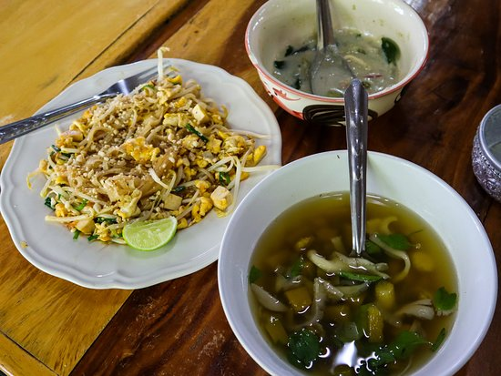 Sammy's Organic Thai Cooking School: We made this! And so much more!