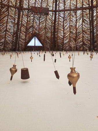 Azulik: Art Exhibit, magnetism