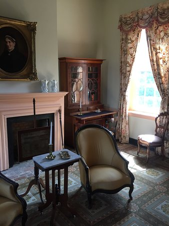 President James K. Polk Home & Museum: One section of the parlor. Accurate period furniture moved from Polk's house in Nashville.