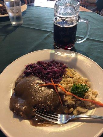 Rheinland Restaurant: Sauerbraten, red cabbage and spaetzel