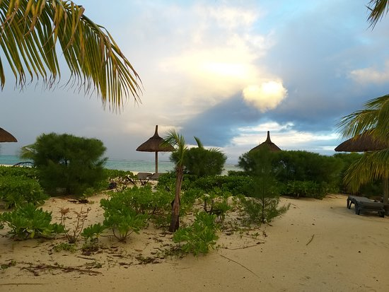 Dinarobin Beachcomber Golf Resort & Spa: Magnificent Beach at Duna Robin
