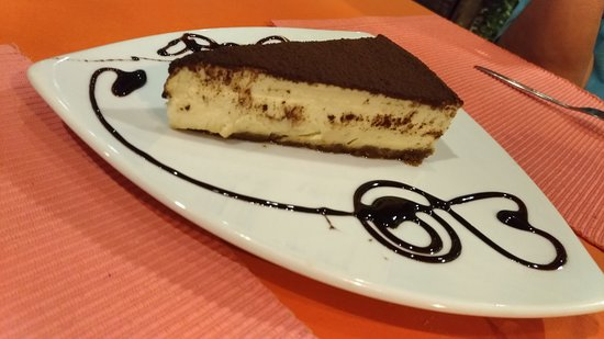 La Fontana: The famous home made tiramisu