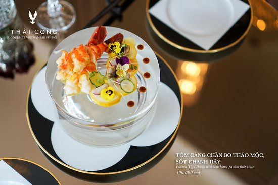 Thai Cong Interior Design & Restaurant: Poached tiger Prawn with herb butter, passion fruit sauce