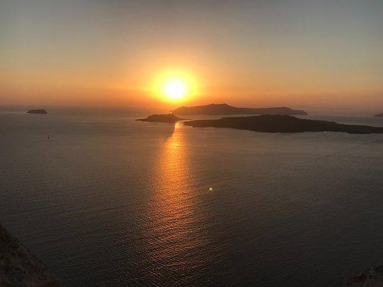 Anassa Deluxe Suites: Sunset Santorini