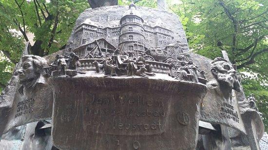 Heimatbrunnen照片