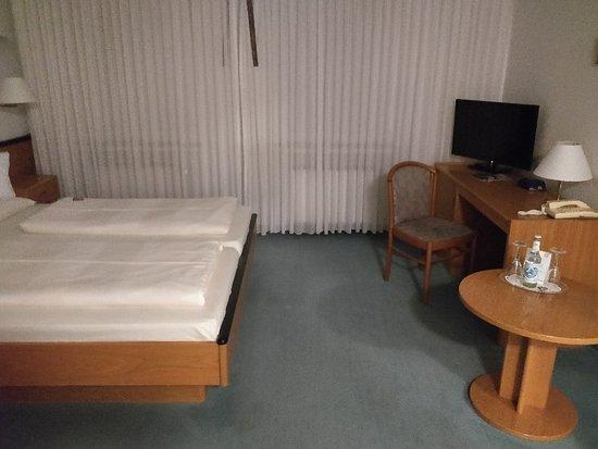 Hotel Samson: IMG_20180708_232625_840_large.jpg