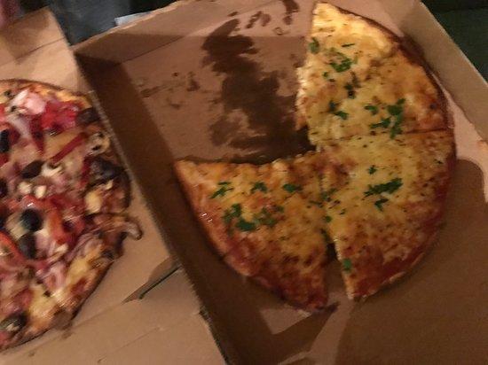 Valentino's Family Restaurant Devonport: Pizza