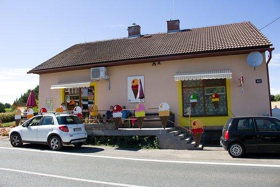 Nachod, Czech Republic: ZMRZLINA HOŘENICE - cukrárna, Hořenice 42., Hořenice