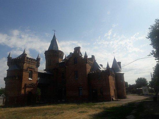 Vasylivka, Ukraine: Popov Castle