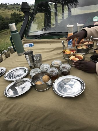 Little Governors' Camp: Breakfast in the Mara