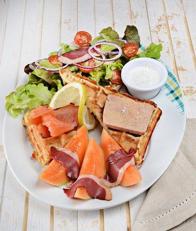 Moissy-Cramayel, France: Salade Gaufre Gascogne