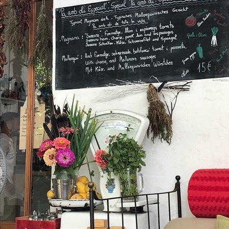 La Magrana Cafe-Bistro: photo1.jpg