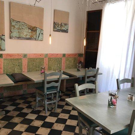 La Magrana Cafe-Bistro: photo4.jpg