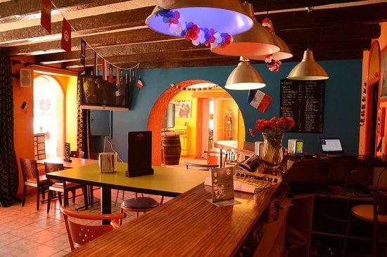Rocheserviere, Francia: Il y a quartes salles avec une salle billard / babyfoot / flechette