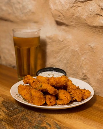 Rustic Bar & Eatery: Perfectly cooked crispy Buffalo Tenders and Cold Draft Beer