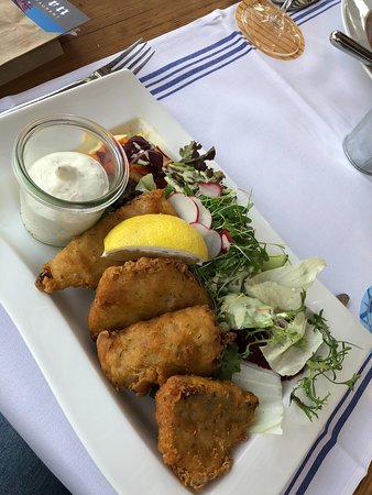 Zunfthausrestaurant Pfistern: Whitefish fillets fried in a crispy beer