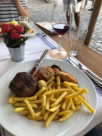 Zunfthausrestaurant Pfistern: Swiss entrecôte
