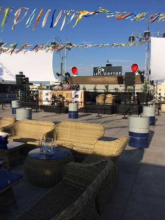 Au Roof Top Picture Of R2 I Rooftop I Reverso Marseille Tripadvisor