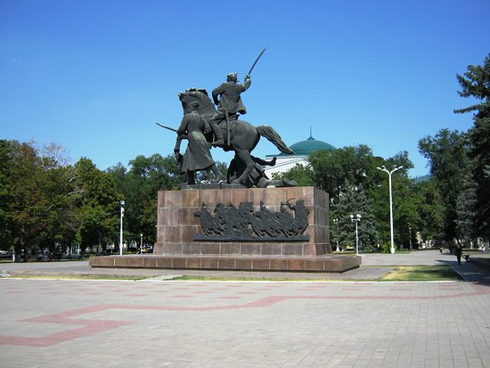 Monument to Soldiers of the 1st Cavalry: памятник