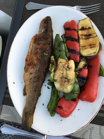 Belogradchik, Bulgaria: Trout with grilled vegetables