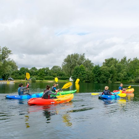 Cirencester, UK: Kayaking at Waterland Outdoor Pursuits