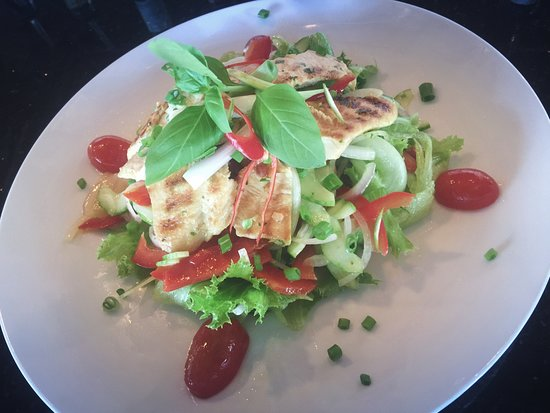 Modjo Bar & Restaurant: Chicken salad