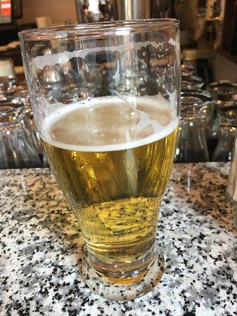 Old House Cosmopolitan: Gute bier here!