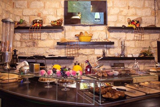 Salun Food Experience: Zona Bar.