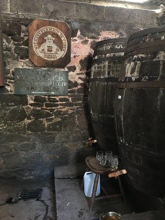 Wilkins Cider Farm: Dry barrel